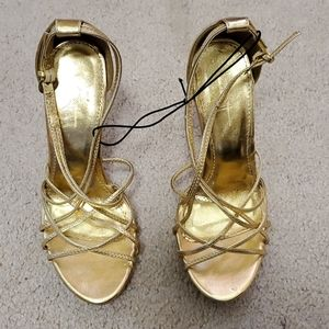 Forever 21 gold heels size 6